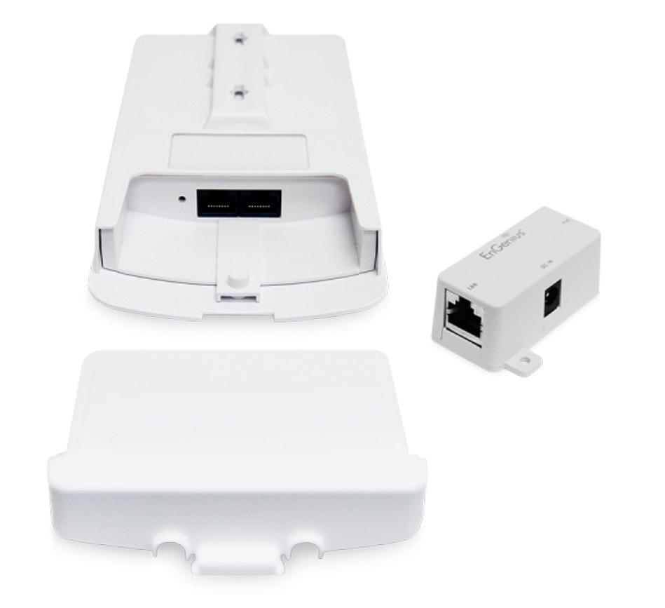 اکسس پوینت اوت دور 2 گیگاهرتز انجنیوس EnGenius ENS202EXTاز محصولات انجنیوس می باشد که برای فضای اوت دور طراحی شده است و می تواند دستگاه بسیار مناسبی برای راهکارهای Point to Multi Point شما باشد . این اکسس پوینت دارای استاندارد اوت دور IP565 است که نشان از مقاومت آن در برابر باد و باران دارد . اگر می خواهید محوطه ای را تحت پوشش سیگنال 2.4 قرار دهید بی شک ENS202EXT یکی از بهترین ها خواهد بود . رستورانها ، مراکز آموزشی ، محوطه های تحت نظارت دوربین های وایرلس ، مراکز عمومی و بسیاری از امکان مشابه می توانند با این اکسس پوینت تجهیز شوند .