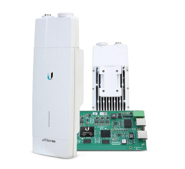 رادیو ایر فایبر 11 گیگا یوبیکوییتی Ubiquiti airFiber AF-11FXیکی دیگر از محصولات منحصر به فرد کمپانی یوبیکوییتی می باشد و در سری X تولید شده است که شامل محصولات دیگری نیز می باشد