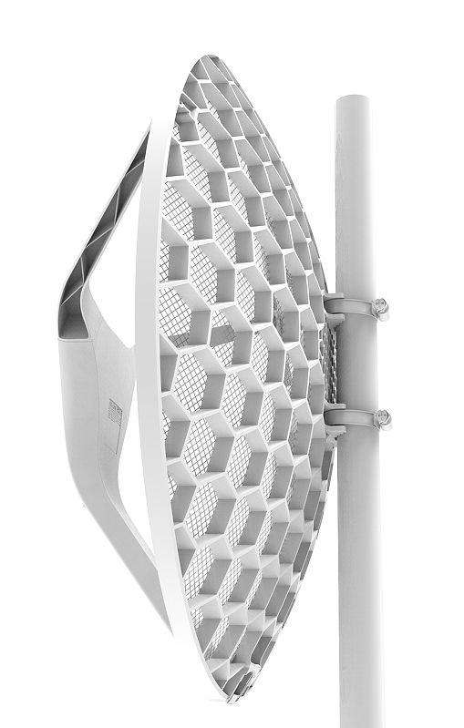 رادیو وایرلس میکروتیک Mikrotik LHG XL 2 با نام فنیRBLHG-2nD-XL یکی دیگر از محبوب ترین های میکروتیک که در سالهای متوالی مورد استفاده قرار گرفته و همواره رضایت مشتریان را در پی داشته است . این محصول یکی از برترین های خانواده LHG بوده و میکروتیک این رادیو را برای شرایط اقلیمی با بادهای زیاد طراحی کرده است . البته در هر شرایطی می توان ازLHG XL 2استفاده کرد اما برای آن فضا بسیار مناسب خواهد بود . LHG XL 2تلفیق آنتن و رادیو را در بر دارد که این به معنای از میان برداشتن کابلها و در نتیجه LOSS کمتر است . با افزار نت همراه باشید برای بررسی بهتر LHG XL 2 .