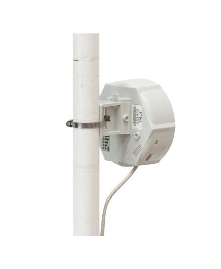 رادیو وایرلس میکروتیک Mikrotik SXT 2 از جمله محصولاتی بود که در میکروتیک مورد پسند کاربران قرار گرفت . این رادیو در واقع به آنتن سکتور مجهز شده است و می توان از آن به عنوان یک نقطه دسترسی ( اکسس پوینت ) استفاده کرد . زاویه دید این رادیو 60 درجه است که با قرار دادن 6 رادیو در کنار هم 360 درجه را مورد پوشش قرار می دهند . با افزار نت همراه باشید برای بررسی بهتر رادیوSXT 2 .