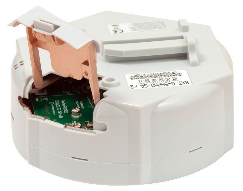 رادیو وایرلس میکروتیک Mikrotik SXT SA5 با نام فنیRBSXTG-5HPnD-SAr2 یکی از محصولات خاص میکروتیک که از خانواده ی SXT می باشد . این رادیو تفاوت شاخصی با سایر هم نوعان خود دارد و آن دارا بودن یک آنتن 14DBi با زاویه دید 90 درجه است .SXT SA5 را می توان به عنوان یک نقطه دسترسی ( اکسس پوینت ) مورد استفاده قرار داد و سایر محصولات میکروتیک را به آن متصل نمود . با افزار نت همراه باشید برای شناخت بهترMikrotik SXT SA5 .