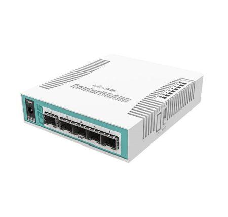 روتر سوئیچ میکروتیک Mikrotik CRS106-1C-5S دارای یک پورت Ethernet Combo ports که برای پورت SFP یاGigabit Ethernet به کار می رود و دارای 5 پورت SFP می باشد ، همچنین دارای پورت سریال از نوع RJ45 نیز می باشد . در پشتCRS106-1C-5S یک پورت POE نیز تعبیه شده است که می توانید نیروی مورد نیاز این روتر سوئیچ را از طریق POE نیز تامین نمائید . از دیگر امکانات این محصول می توان به دارا بودن لایسنس سطح 5 میکروتیک نیز اشاره کرد .