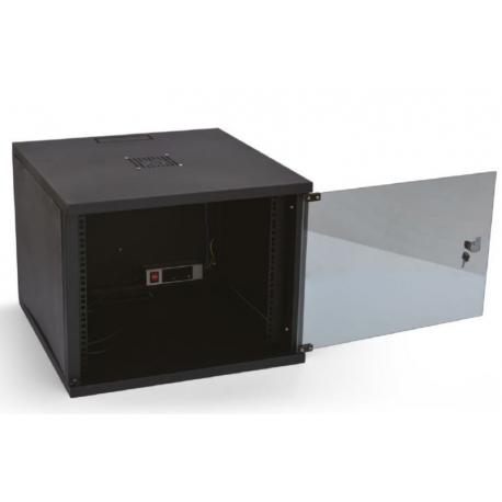 رک 9 یونیت عمق 45 کی نت K-net Rack 9unitیکی دیگر از محصولات کی نت است که به جهت جادادن ادواتی مانند DVR و یا سوئیچ و ... طراحی و تولید شده است . این رک به صورت دیواری و دارای عمق 45 بوده که عمق 60 همین محصول نیز طراحی و تولید شده که هر دو در دسترس می باشد می تواند از تجهیزات شما در برابر ضربات فیزیکی و ... محافظت نماید . این رک دارای فن و پاور ماژول بوده و می تواند تجهیزات شما را نیز خنک کرده و به طول عمر آنها بیفزاید .
