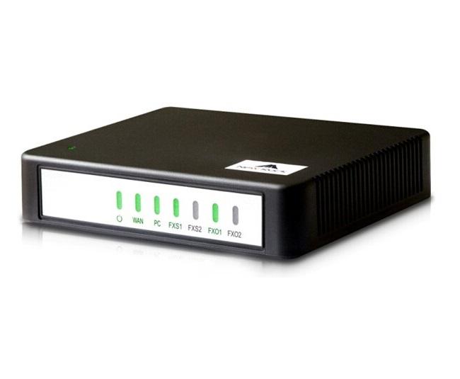 گیت وی نیوراک مدل Hx402E و یا به زبانی ساده تر مبدل آنالوگ نیوراک دارای 2 پورت FXS است که امکان اتصال تلفن ، فکس و یا POS را به شما می دهد . این دستگاه دارای دو پورت اترنت نیز می باشد که امکان اتصال شما به شبکه را می دهد و نیازی به پورت اضافه ندارید لازم به ذکر است یکی از پورتهای این دستگاه پورت WAN می باشد که در صورت ارتباط رادیویی کار شما بسیار آسان تر خواهد بود .
