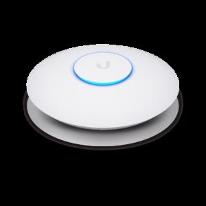 اکسس پوینت سقفی یوبیکیوتی Ubiquiti UniFi nanoHD یکی از محصولات جدید Ubiquiti که تقریبا مرزهای تبادل اطلاعات را جا به جا کرد . این محصول از آنتن 4x4 در فرکانس 5.8 بهره می برد که توانایی تبادل اطلاعات تا سرعت 1733 Mb را در اختیار شما قرار می دهد