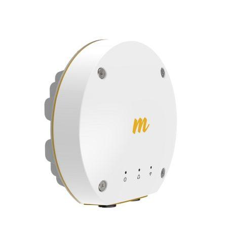 رادیو فرکانس 11GHZ میموسا Mimosa B11 Backhaul Radio دارای یک پورت 10/100/1000 و یک پورت فیبر نوری است که قابلیت اتصال به هر دو را فراهم نموده است . این رادیو در فرکانس10000-11700 MHz کار کرده و می تواند تا 1.5 Gbps را تبادل نماید . دارای استاندارد IP67 است و می تواند به راحتی در هر شرایط اقلیمی به کار خود ادامه دهد . در این رادیو مادولاسیون4x4:4 MIMO OFDM up to 256QAM مورد استفاده قرار می گیرد و عرض باند20/40/80 MHz channels در اختیار شما قرار دارد تا توانایی تبادل حجم اطلاعات بیشتری را در اختیار شما قرار دهد .